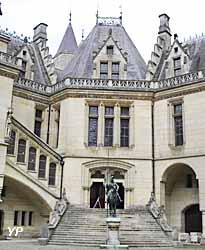 château de Pierrefonds - escalier d'honneur