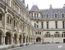 château de Pierrefonds - cour intérieure
