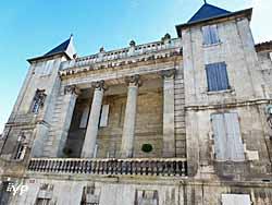 Hôtel des Bardines (Yalta Production)