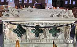 église Notre-Dame - tombeau de saint Gautier (XIIe et XIIIe s.)