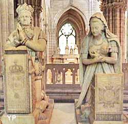 basilique cathédrale Saint-Denis - monuments funéraires de Louis XVI et Marie-Antoinette (Edme Gaulle et Pierre Petitot, 1830)