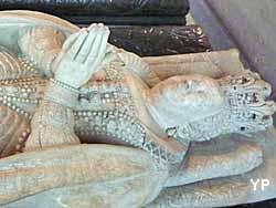 basilique cathédrale Saint-Denis - gisant de Catherine de Medicis