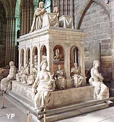 basilique cathédrale Saint-Denis - tombeau de Louis XII et Anne de Bretagne