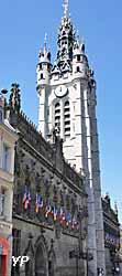 Hôtel de ville et beffroi (Yalta Production)