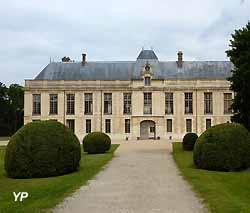 château de Méry-sur-Oise (doc. Yalta Production)