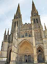 Cathédrale Notre-Dame de Sées (Yalta Production)