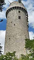 Tour de Montlhéry - château de Montlhéry (Yalta Production)
