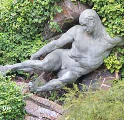 L'Effort (sculpture en plomb armé et grès cérame de Pierre Roche XIXe s.)