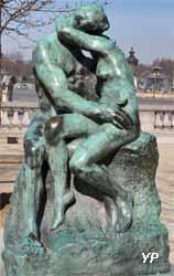 Jardin des Tuileries - le Baiser (Auguste Rodin, 1898)
