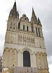 Cathédrale Saint Maurice (doc. Yalta Production)