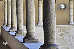 Abbaye d'Ambronay - cloître supérieur