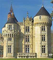 Château de Rouville - tours Est (doc. Château de Rouville)