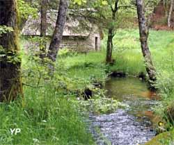 Les Deux Moulins de Chamboux - moulin à farine (Les Deux Moulins de Chamboux)