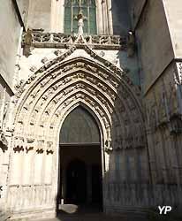portail de la cathédrale Saint-Pierre de Saintes