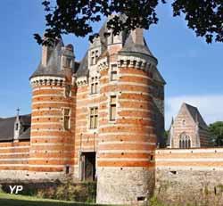 Château de Mortiercrolles - châtelet (Château de Mortiercrolles)