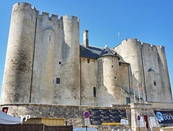 Niort, le donjon (doc. Yalta Production)