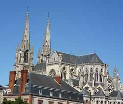 église Notre-Dame de Cholet (doc. Yalta Production)