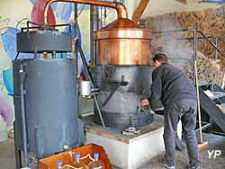 Musée de la lavande - Distillerie - alambic en fonctionnement