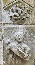 Eglise Saint-Crepin-Saint-Crepinien - ange portant un blason