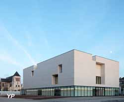 Façade du Centre de Création Contemporaine CCC (architecte : Philippe Chiambaretta/PCA) (Benoît Fougeirol)