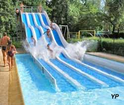 Parc de loisirs le val fleuri cloyes sur le loir for Bourg argental piscine