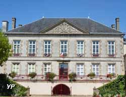 hôtel de ville de Bressuire (monastère des Cordeliers)