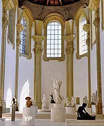 Chapelle avec sculptures