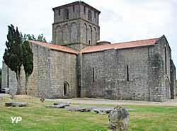 Eglise Notre-Dame du Vieux Pouzauges (Yalta Production)