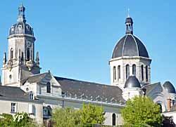 église Sainte-Madeleine de Segré (doc. Yalta Production)