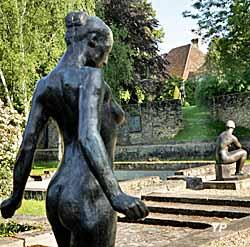 Jardin des Bronzes avec Marie-Christine et la Méditation (Raphaël Gaillarde)