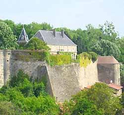 Rodemack, le château et les remparts (doc. OT Rodemack)