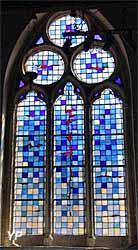Chapelle Saint-Julien - vitrail crée par Patrick Forfait