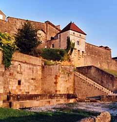 corps de garde et hôtel de ville de Langres (doc. G. Féron / OTSI Pays de Langres)