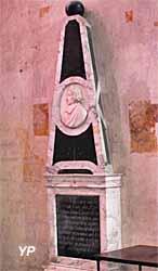 Cathédrale Saint-Gatien - monument funéraire de Mgr Amelot