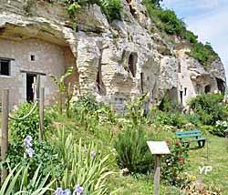Salle Richard Coeur de Lion et jardin de Dame Lucette