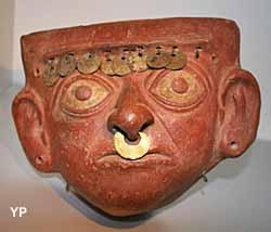 Masque précolombien