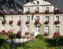 hôtel de ville de Carentan (ancien couvent) (doc. OT Carentan)