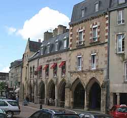 arcades médiévales de Carentan (doc. OT Carentan)