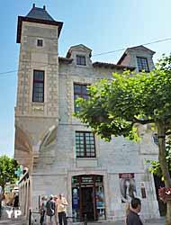 Maison Louis XIV (Yalta Production)