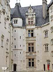 Cour d'honneur, façade Renaissance