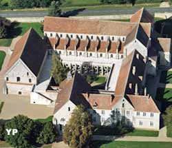 Abbaye de Noirlac (doc. Les 4 vents)