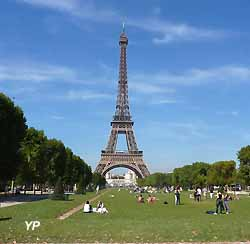 la Tour Eiffel  (doc. Yalta Production)