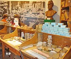 Atelier de cartonnage de la fin du XIXe siècle