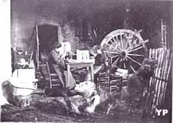 Cartonnière à domicile (avril 1903)