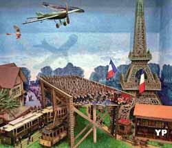 13 aout 1914 Paris recoit des bombes de l'avion allemand Taube