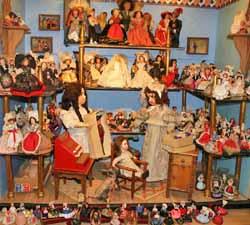 Magasin de poupées souvenirs Petitcollin