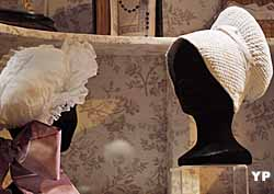 Coiffes traditionnelles (doc. Musée des Jacobins)