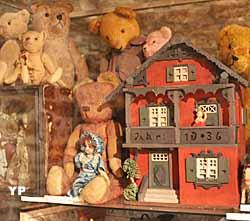 Musée des poupées et des nounours (Musée des poupées et des nounours)