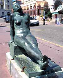L'Offrande, statue de Robert Wlérick, à Mont-de-Marsan (doc. CRTA / JJ Brochard)