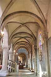 Basilique Saint-Denys, bas-côté